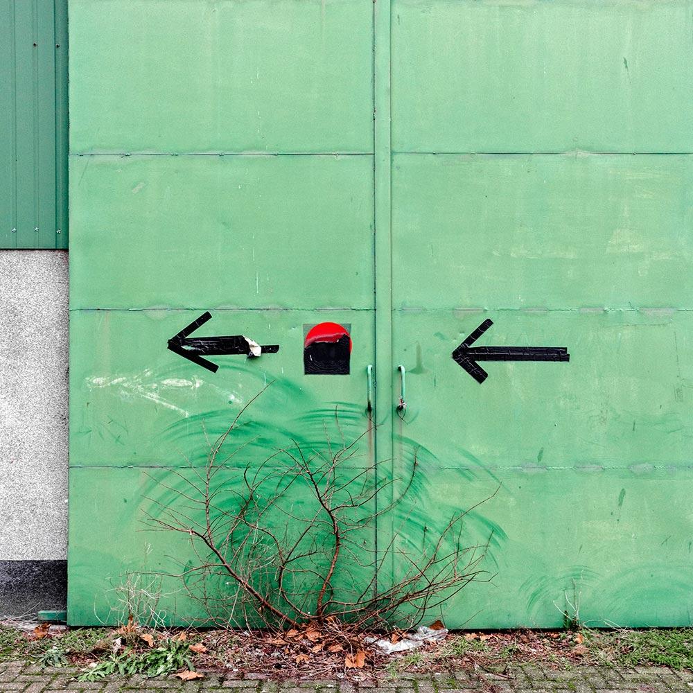 life-framer-urban-emptiness-maarten-vromans
