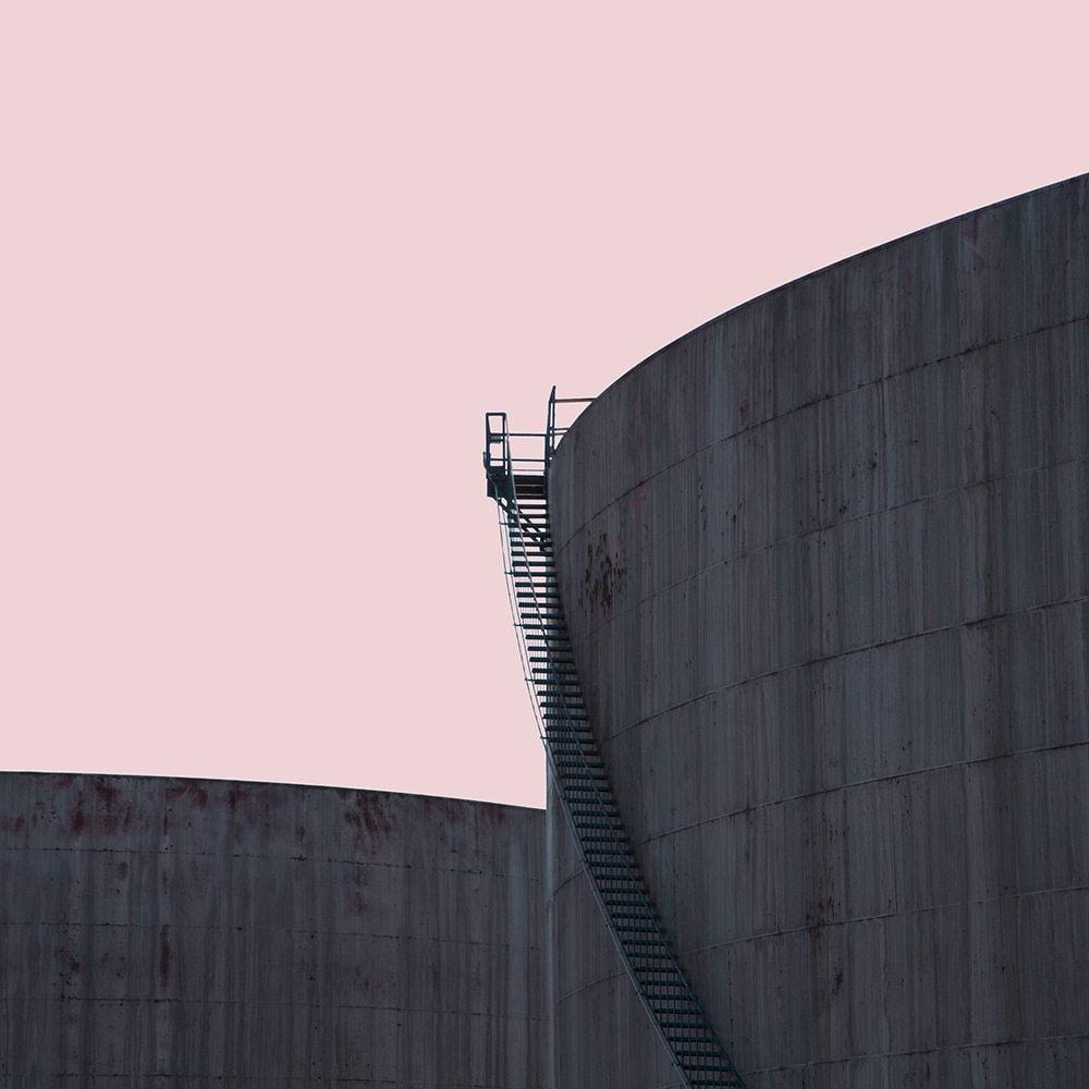 life-framer-urban-emptiness-xawa-vella